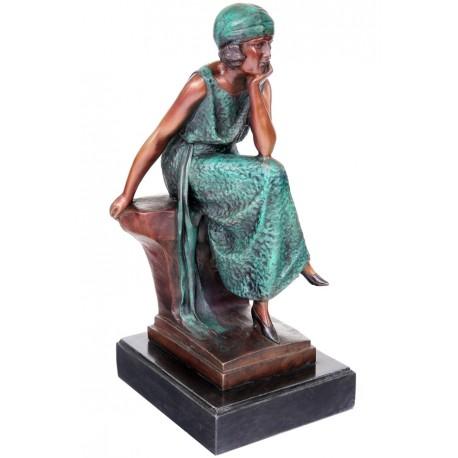Femeie stand - statueta din bronz pe soclu din marmura
