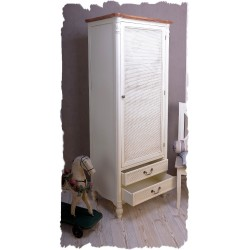 Dulap haine din lemn alb