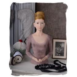 Statueta cu o femeie franceza