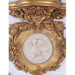 Consola de perete cu un medalion din alabastru