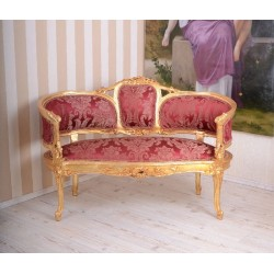 Sofa Maria Antoineta din lemn masiv auriu cu tapiterie bordeaux